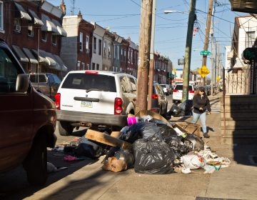 Piles of trash in Kensington. (Kimberly Paynter/WHYY)