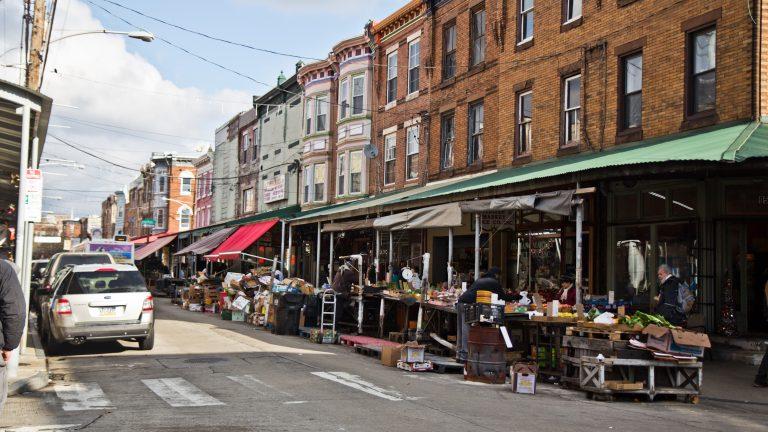 The 47 line passes through Philadelphia's iconic Ninth Street Market. |  La línea 47 pasa por el icónico Ninth Street Market de Filadelfia. (Kimberly Paynter/WHYY)