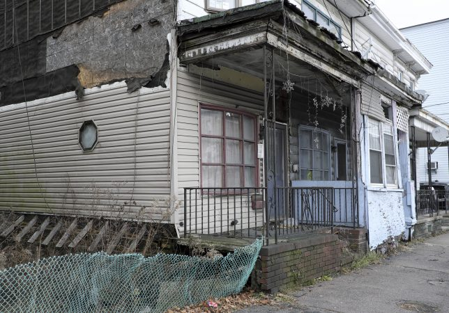 A blighted home in Mahanoy City, Pennsylvania. (Matt Smith for Keystone Crossroads)