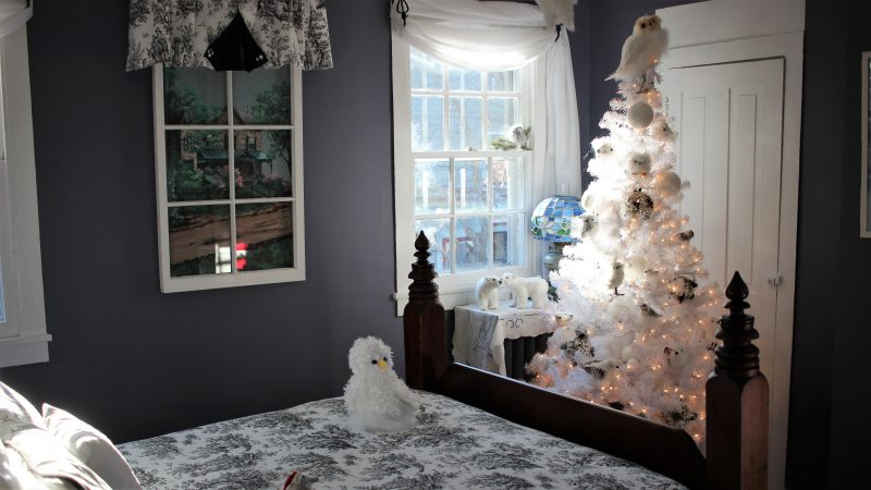 A decorated room in the Cherry House. (Bill Barlow/for WHYY)