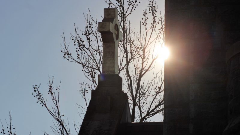 The cross on the top of Our Lady Star of the Sea Church on the Washington Street Mall in Cape May. (Bill Barlow/for WHYY)