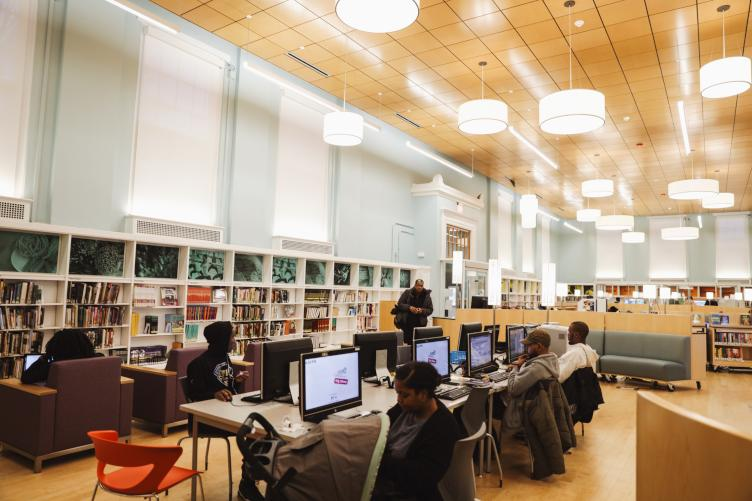 Logan Library now has more public computers (Neal Santos for PlanPhilly)