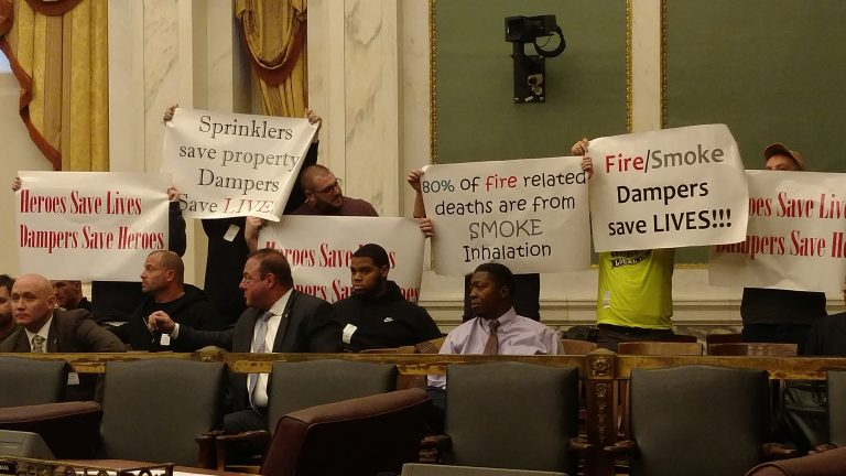Sheet Metal Workers protest in City Council on Dec.4, 2018.  (Jake Blumgart/PlanPhilly)