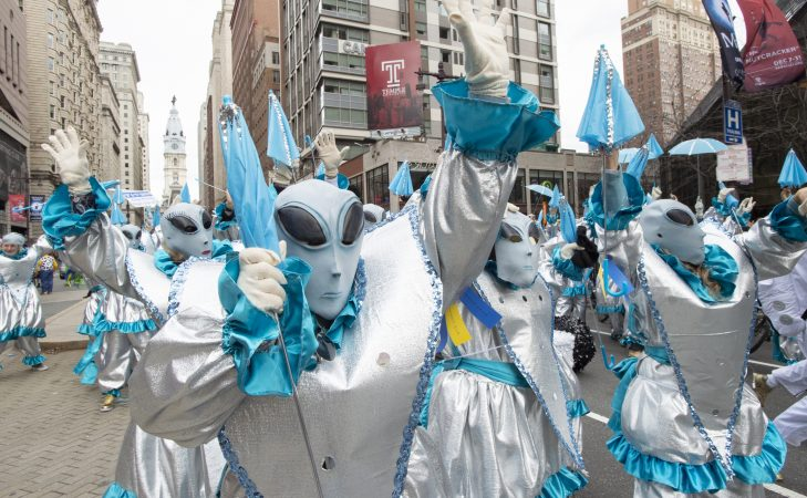 B Love Strutters paid tribute to the 50th anniversary of the moon landing in alien costumes. (Jonathan Wilson for WHYY)
