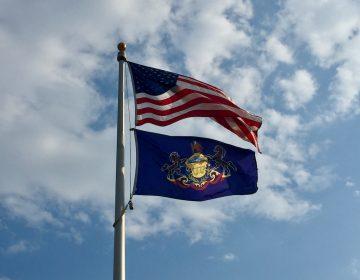 The American and Pennsylvanian flags (Julie Zeglen/Generocity)
