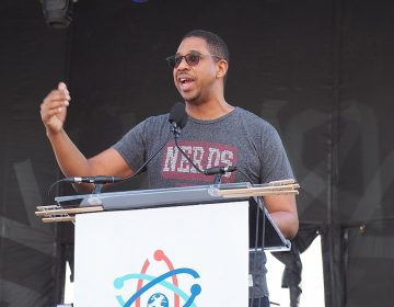 Dr. Hakeem Oluseyi at the March for Science. Image: S L O W K I N G via Wikimedia Commons