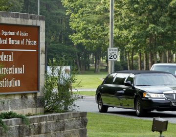 A black limousine leaves the Federal Correctional Institution (FCI) in Fairton, N.J., Friday, July 15, 2005. (Tim Larsen/AP Photo)