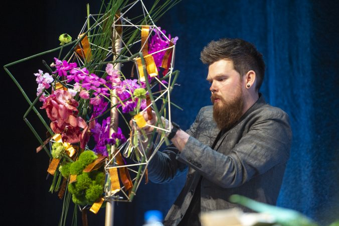 In the final round, Germany's Stephan Triebe assembles his arrangement. (Jonathan Wilson for WHYY)