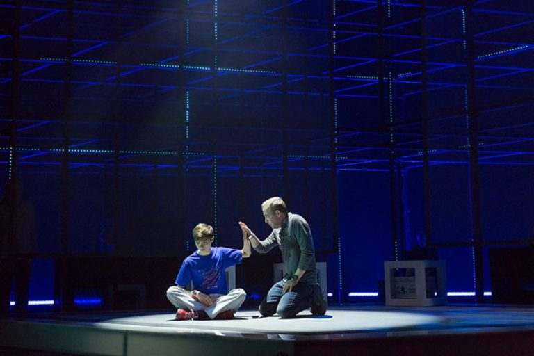 Review: The Walnut's engrossing 'Curious Incident' - WHYY