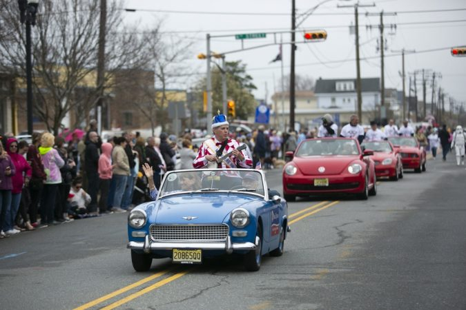 Ocean City's Doo Dah Parade is held annually to kick off the season. (Miguel Martinez for WHYY)