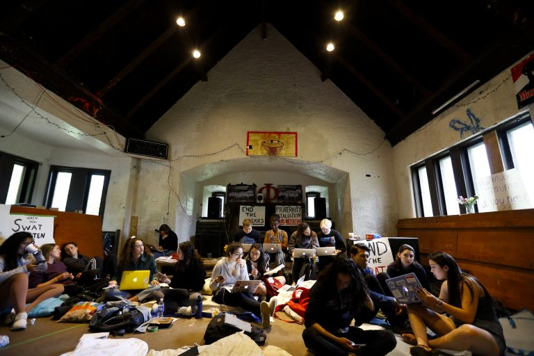 Students occupy Swarthmore fraternity house, want it closed