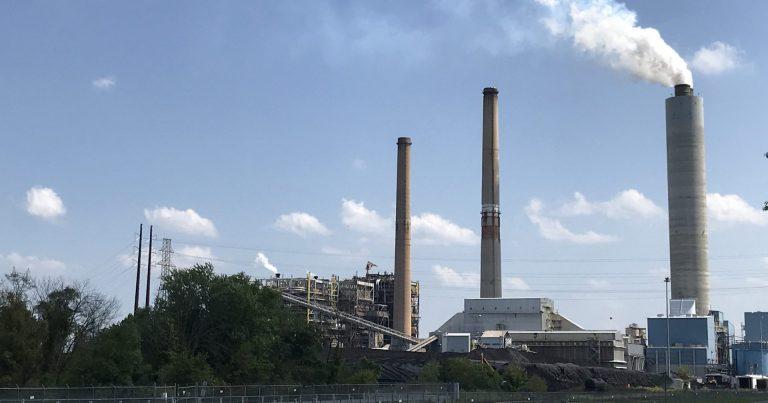 Talen Energy's Brunner Island plant in York County. (Marie Cusick/ StateImpact Pennsylvania)