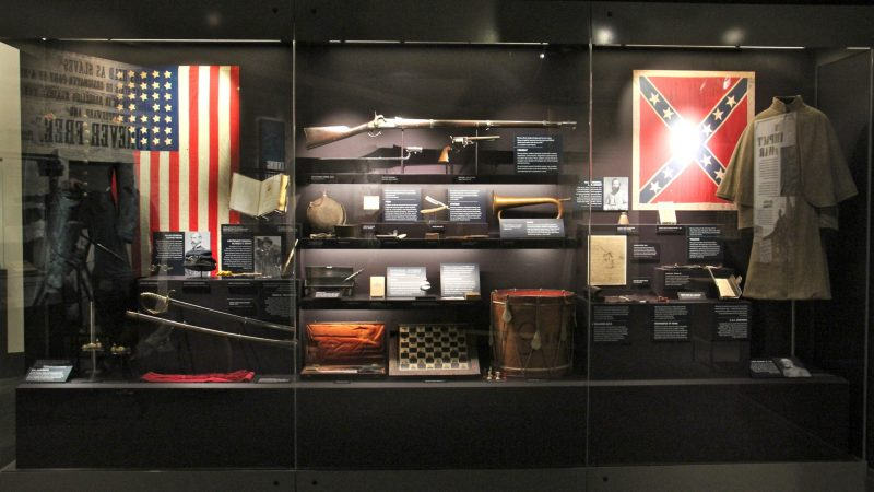 Civil War artifacts from both sides of the battle are displayed side by side. (Emma Lee/WHYY)