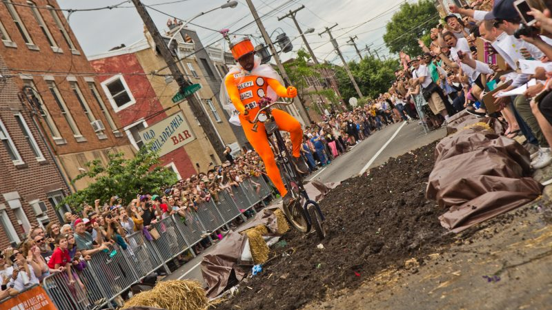 The Broad Street Line is no match for the Kensington Kinetic Sculpture Derby mud pit. (Kimberly Paynter/WHYY)