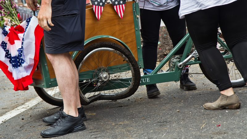 A wheel is the casualty of the Kensington Kinetic Sculpture Derby mud pit. (Kimberly Paynter/WHYY)