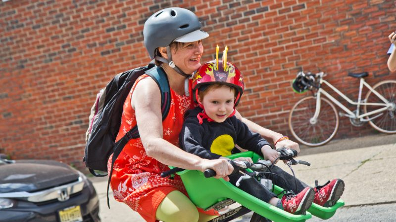 Participants were all ages at the 2019 Kensington Kinetic Sculpture Derby. (Kimberly Paynter/WHYY)