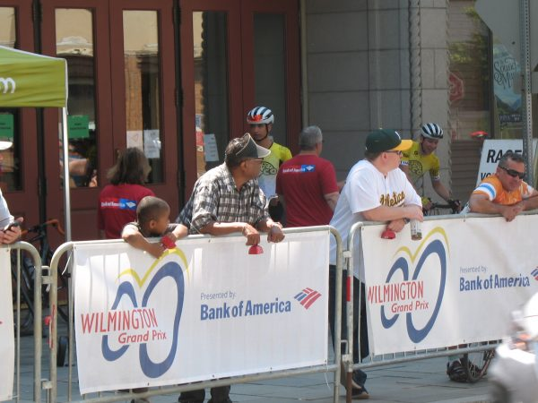 Spectators await cyclists during the 2019 Wilmington Grand Prix on Saturday (John Mussoni/WHYY)