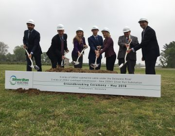 Elected officials help LS Power break ground on a project to install a 230-kilovolt power line underneath the Delaware River between Salem, New Jersey and an area just south of Port Penn, Delaware. (Mark Eichmann/WHYY)