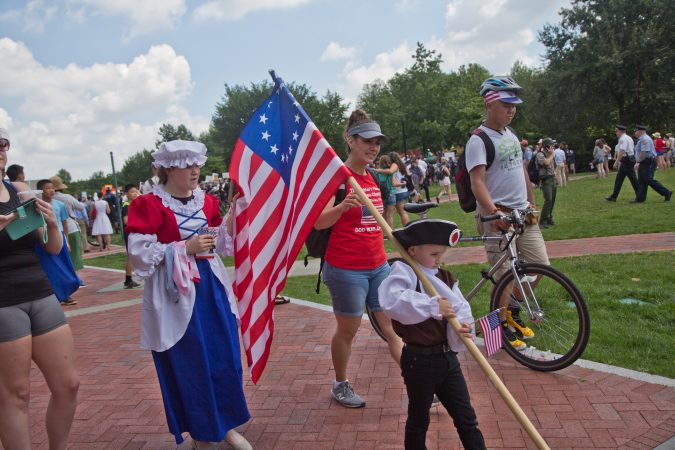 Philadelphians celebrate Independence Day on Independence Mall. (Kimbelry Paynter/WHYY)