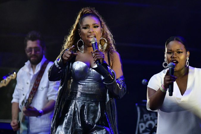 Jennifer Hudson takes the main stage at the 2019 Welcome America festival. (Bastiaan Slabbers for WHYY)