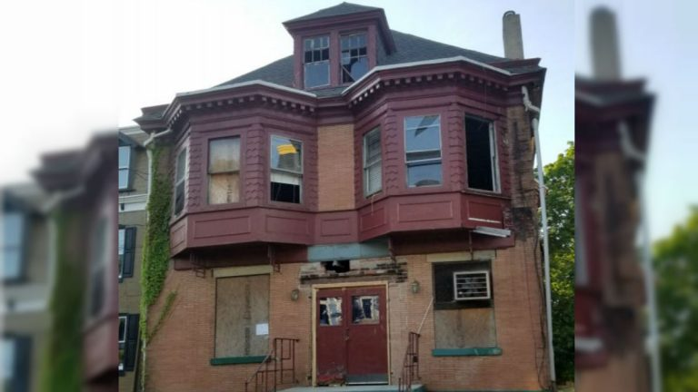 The City of Wilmington wants to change its housing code in an effort to clean up dilapidated and vacant homes. This house is on the 2300 block of N. Market St. (Courtesy of the City of Wilmington)