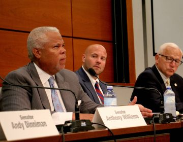 Pennsylvania state Sen. Anthony Williams questions a witness during a hearing on the PES refinery fire at the University of Pennsylvania. (Emma Lee/WHYY)