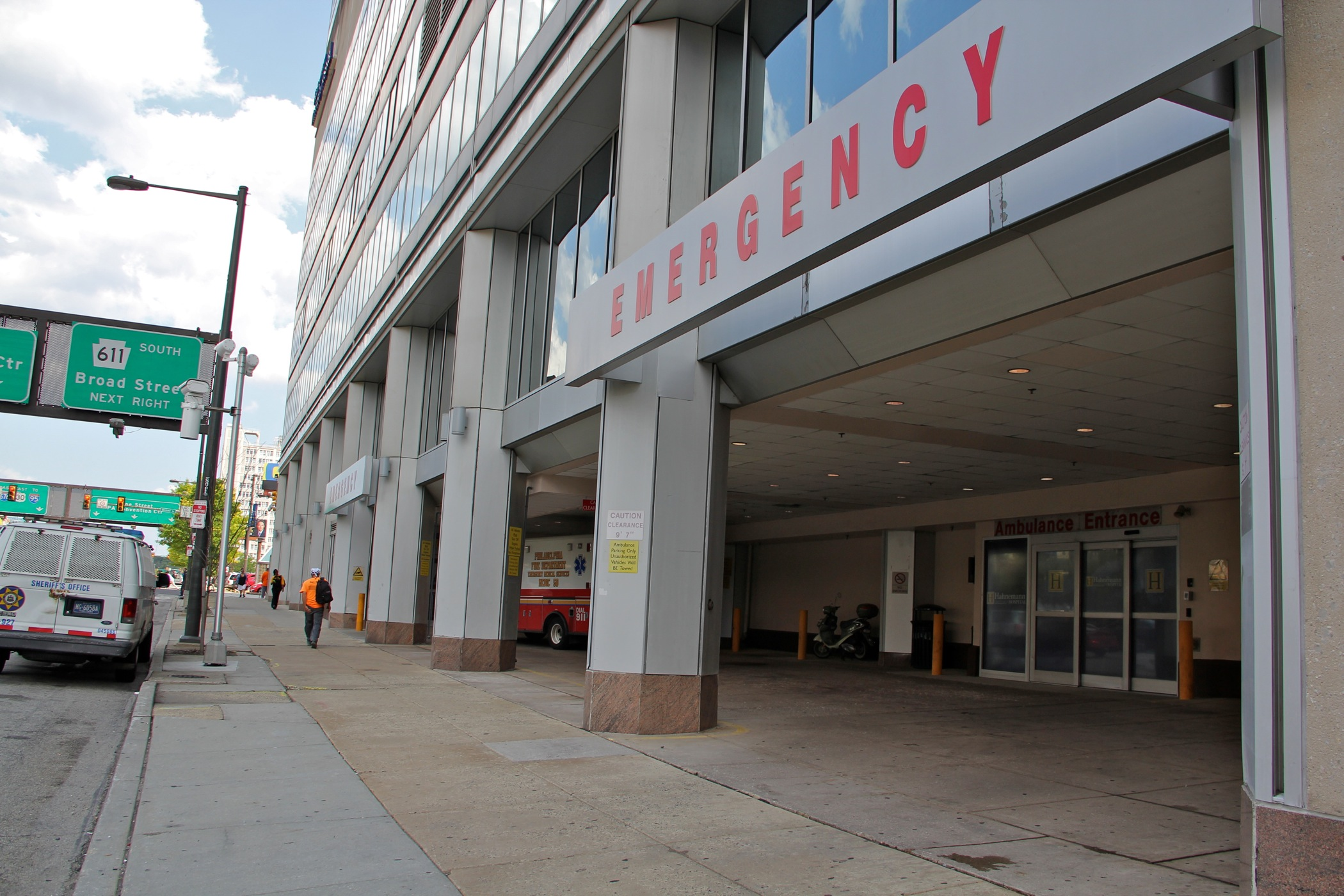 Hahnemann bankruptcy complicates bid to keep the hospital open - WHYY
