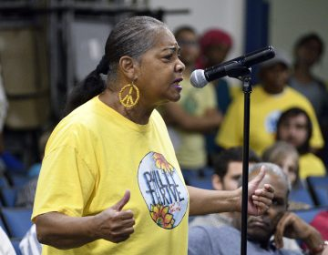 Fence-line resident Sylvia Bennett, with Philly Thrive speaks during the first public meeting of the Philadelphia Energy Solutions refinery advisory group   (Bastiaan Slabbers for WHYY)