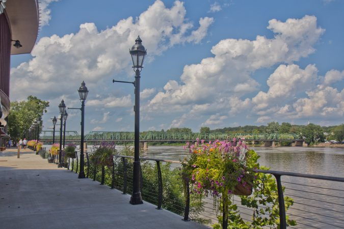 The path behind the Bucks County Playhouse overlooks the Washington's Crossing Bridge and the Delaware River. (Kimberly Paynter/WHYY)