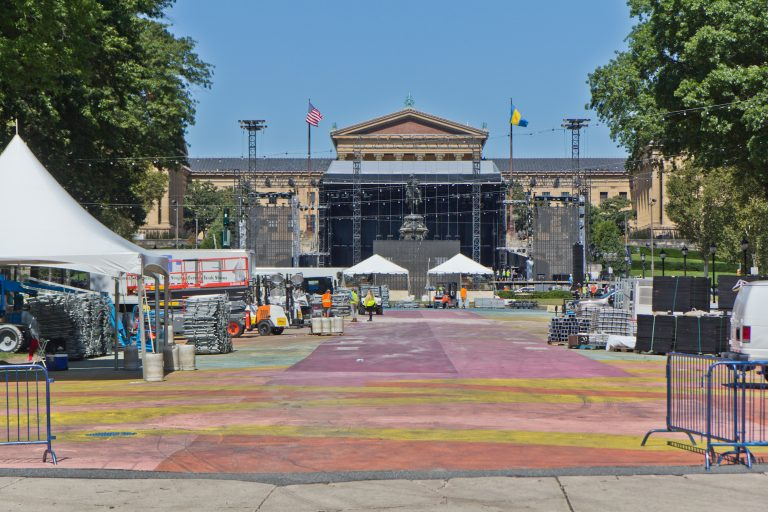 The Made in America main stage during construction on the Benjamin Franklin Parkway. (Kimberly Paynter/WHYY)