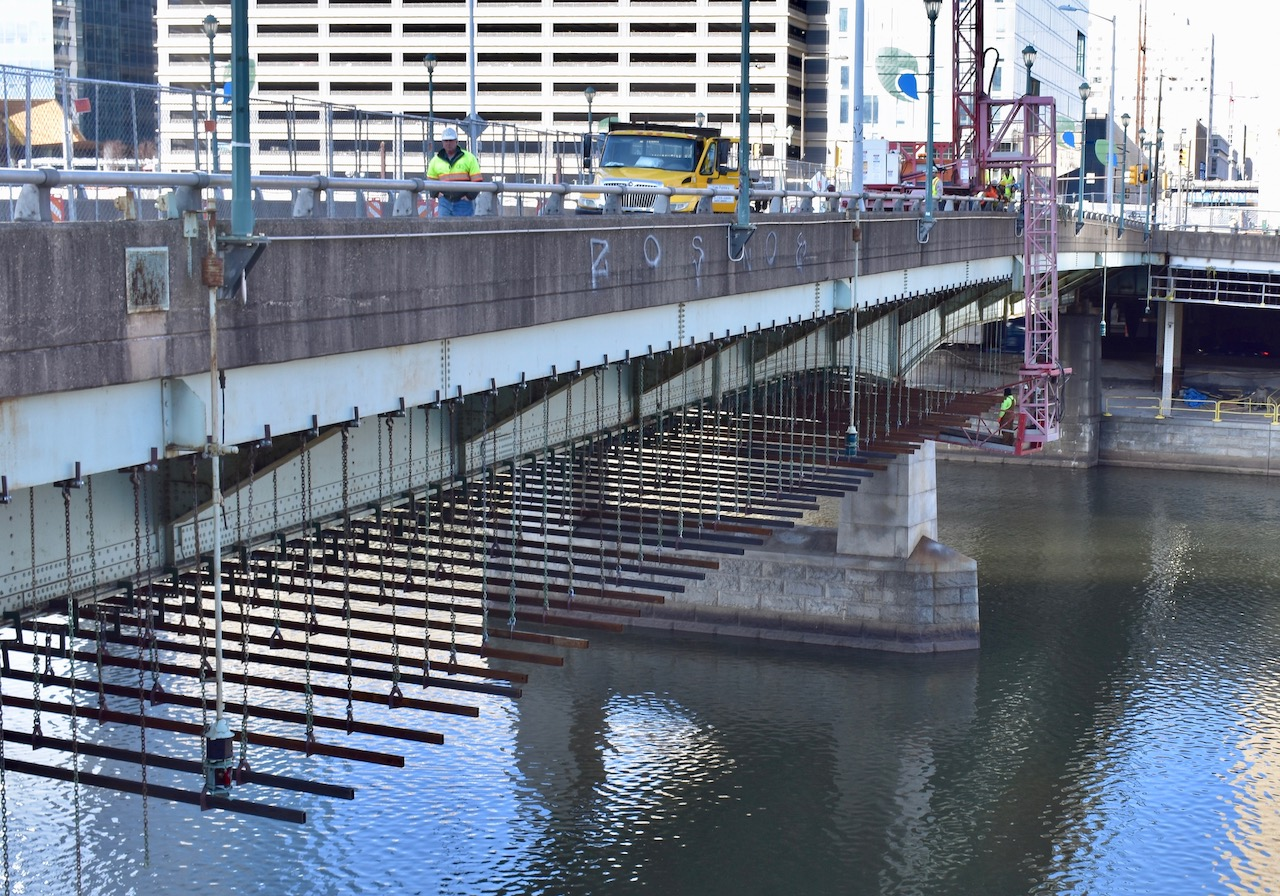 Chestnut Street Bridge to close Monday for year-long makeover