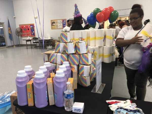 The Harper's Heart giveaway in August at the Kingswood Community Center in Northeast Wilmington. (Cris Barrish/WHYY)