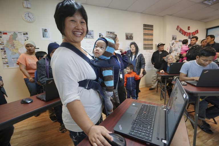 Grand opening of the SEAMAAC Computer Literacy Lab, Thursday Nov. 3, 2016, inside the SEAMAAC Community Outreach Office in South Philadelphia.  (Joseph Kaczmarek/Comcast)