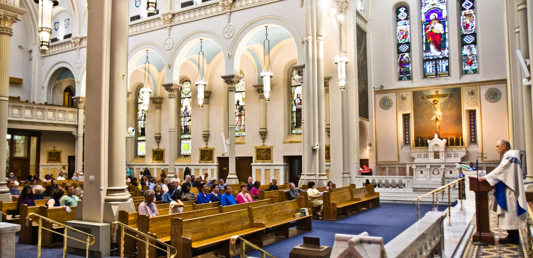 Monday service at the The Miraculous Medal Shrine in the Germantown section of Philadelphia. (Kimberly Paynter/WHYY)