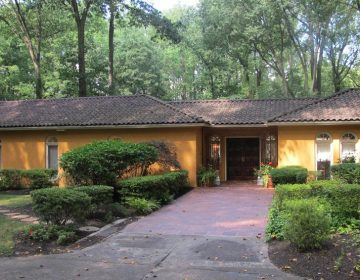 This home at 1121 Winding Drive in Cherry Hill, which belonged to Muhammad Ali in the 1970s, has become an Airbnb rental. (Sarah Glover/NBC)