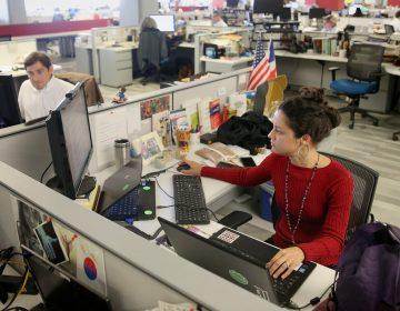 Jesenia De Moya Correa in the Inquirer newsroom (Courtesy Philadelphia Inquirer)