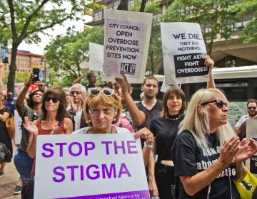 Supervised injection site supporters in Philadelphia rally outside the federal courthouse during a hearing to determine if the proposed Safehouse would violate the federal Controlled Substances Act. (Kimberly Paynter/WHYY)