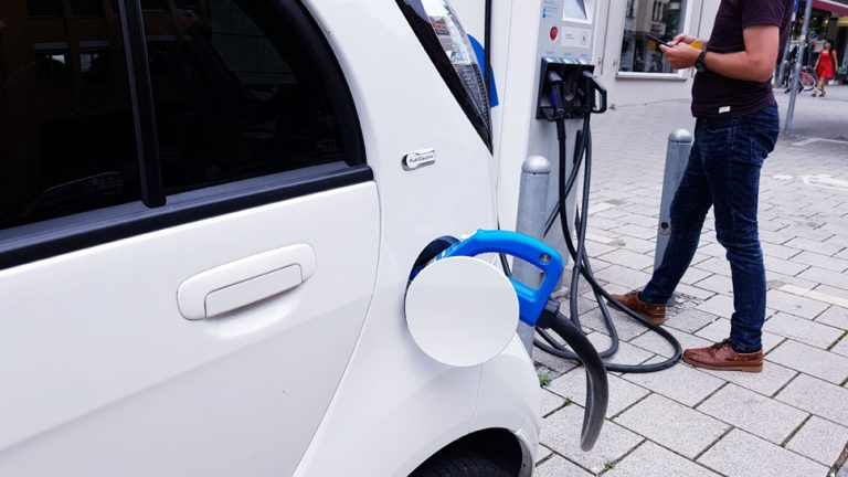 A new bill from state Sen. Bob Smith establishes ambitious goals for multiplying public charging stations. (Pixbay/NJ Spotlight)