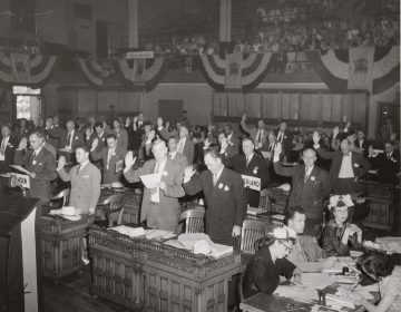 Delegates to the 1947 New Jersey Constitutional Convention, most likely during the swearing-in ceremony. (New Jersey State Archives, Department of State)