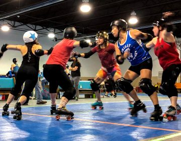 Philly's roller derby team practices plays in the runup to champs. (Michaela Winberg/Billy Penn)