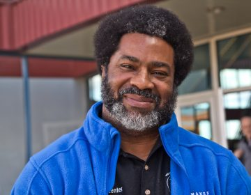 Sharif El-Mekki left his job as a principal in Southwest Philadelphia to start an organization which aims to recruit more African Americans into the teaching profession. (Kimberly Paynter/WHYY)