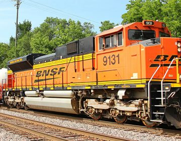 LNG units on the BNSF Emporia Sub in Olathe, Kansas (NJ Spotlight)