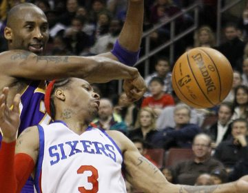 Los Angeles Lakers' Kobe Bryant, left, knocks the ball loose from Philadelphia 76ers' Allen Iverson in the second half of an NBA basketball game, Friday, Jan. 29, 2010, in Philadelphia. Los Angeles won 99-91. (AP Photo/Matt Slocum)