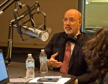 Pennsylvania Gov. Tom Wolf talks to Keystone Crossroads staff at WHYY in Philadelphia. (Kimberly Paynter/WHYY)