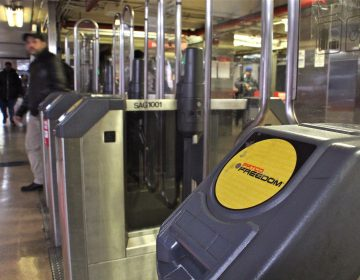 A PATCO fare gate at the 8th and Market stop. (Emma Lee/WHYY)