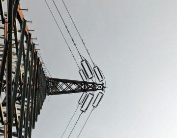 Transmission tower. (Anprocházka/Flickr)