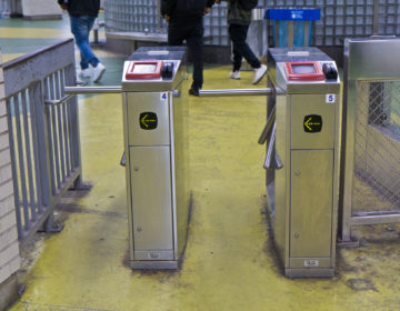 SEPTA turnstiles (Kimberly Paynter/WHYY)
