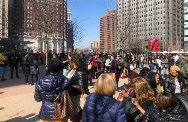 Center City buildings were evacuated due to a smell of gas on Monday. (Lindsay Lazarski/WHYY)