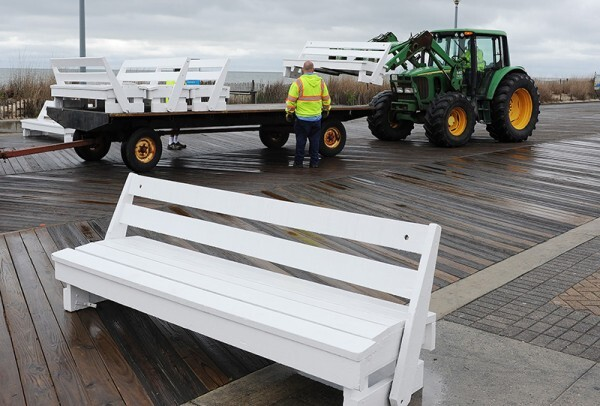 Rehoboth Beach removes boardwalk benches