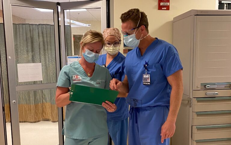 Physicians and nurses in the Doylestown emergency unit Wednesday, May 6. (Courtesy of Thomas DiEnna/Doylestown Health)